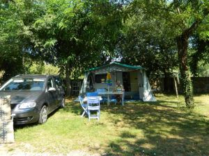 emplacement camping les chataigniers